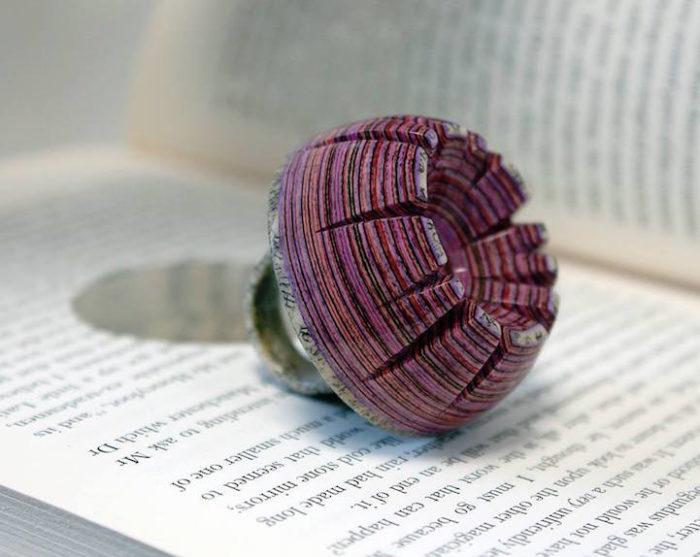 gioielli-fatti-con-libri-riciclati-jeremy-may-14