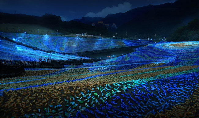 mosaico-gigante-bottiglie-riciclate-quadro-van-gogh-taiwan-wang-cheng-wei-09