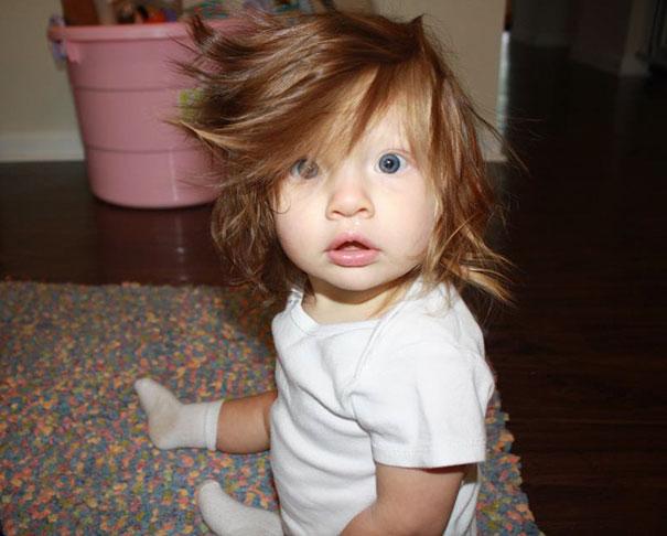 neonati-testa-piena-di-capelli-06