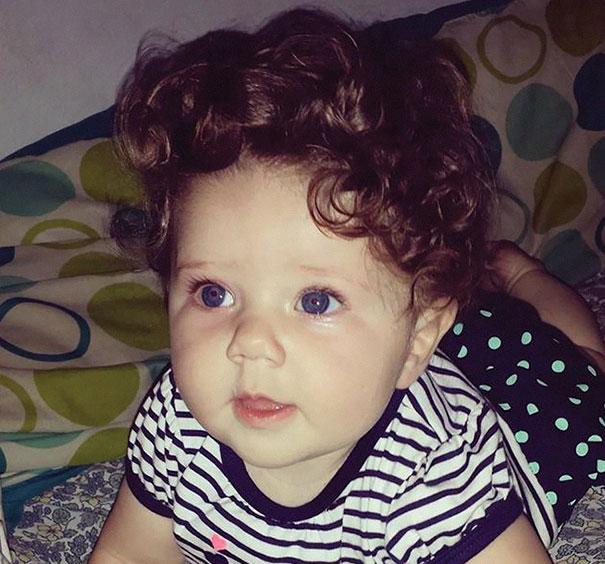 neonati-testa-piena-di-capelli-10
