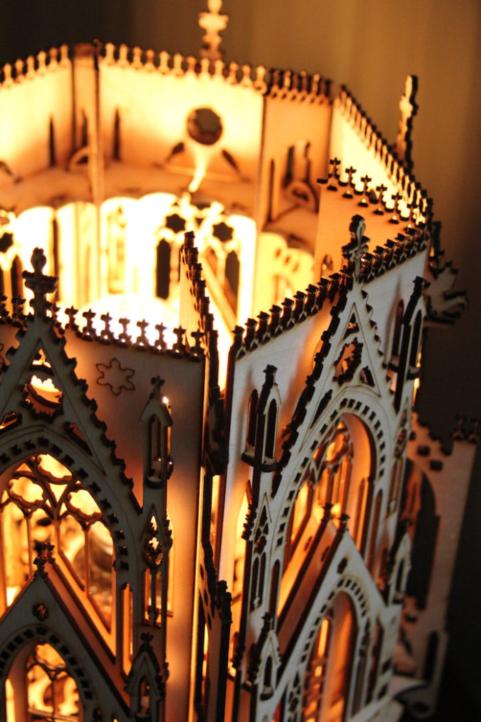 puzzle-3d-chiesa-gotica-lampada-marcus-williams-5