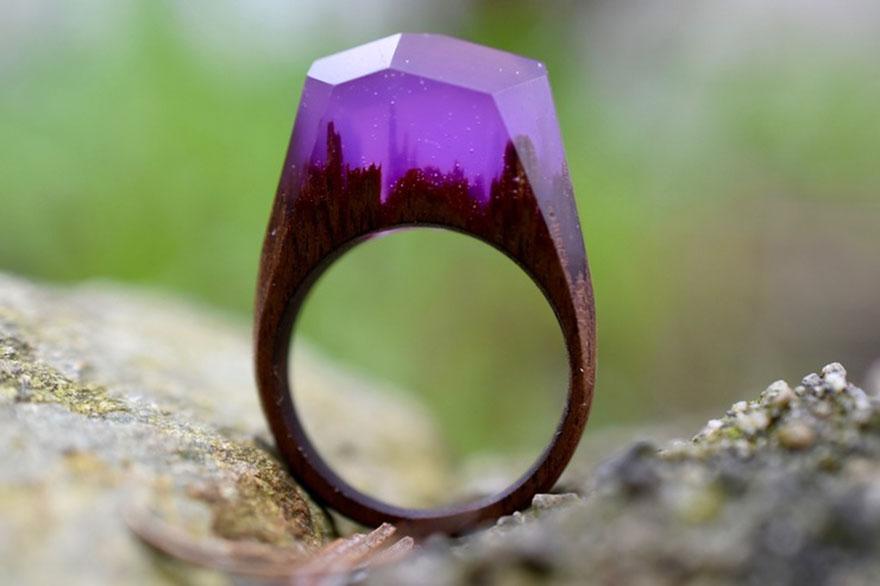 scene-miniatura-dentro-anelli-legno-fatti-mano-secret-wood-11
