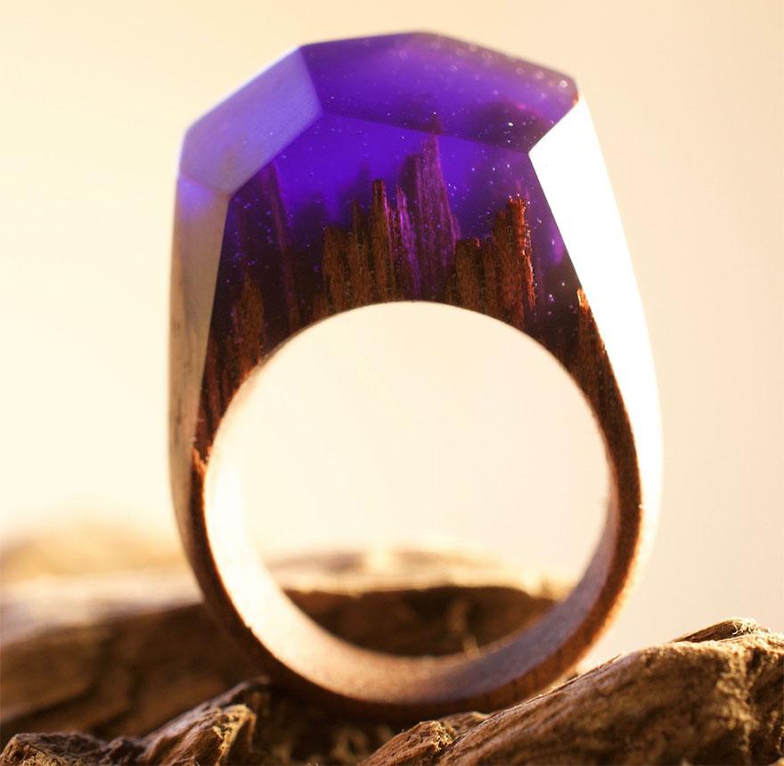scene-miniatura-dentro-anelli-legno-fatti-mano-secret-wood-12
