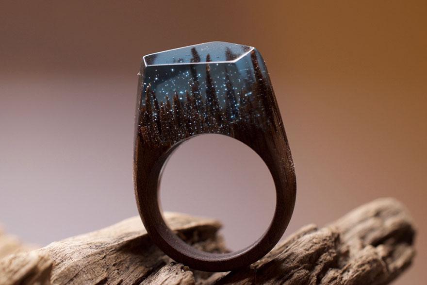 scene-miniatura-dentro-anelli-legno-fatti-mano-secret-wood-14