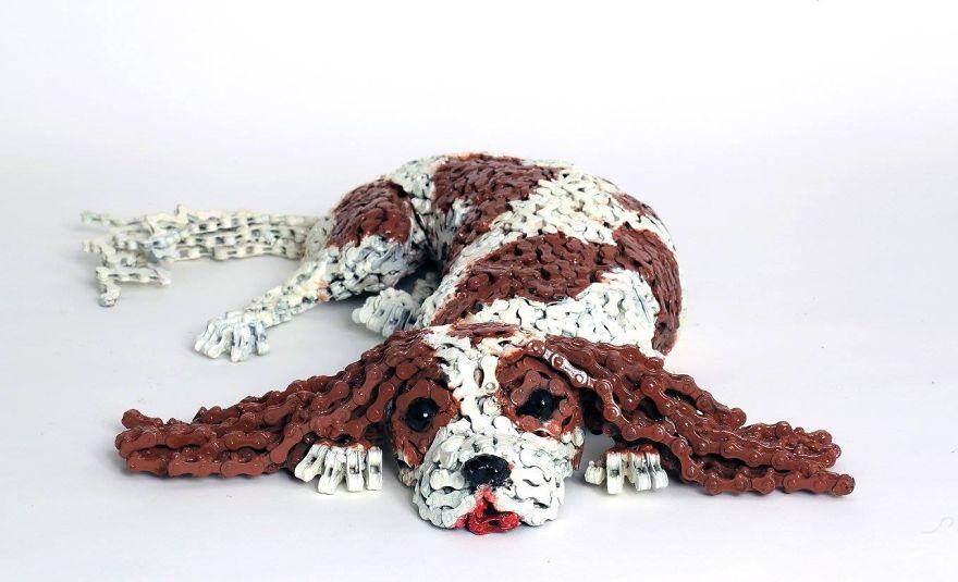 sculture-cani-grandezza-naturale-fatte-pezzi-biciclette-riciclate-unchained-nirit-levav