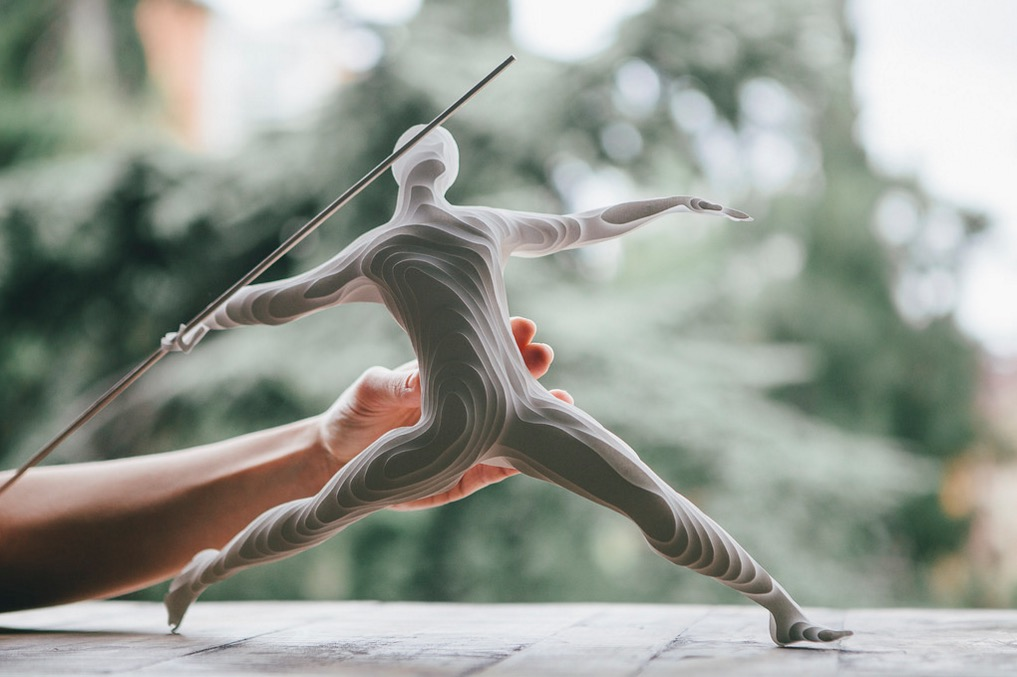 sculture-carta-atleti-raya-sader-bujana-2
