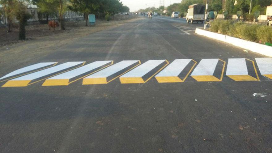 strisce-pedonali-3d-illusione-ottica-india-1