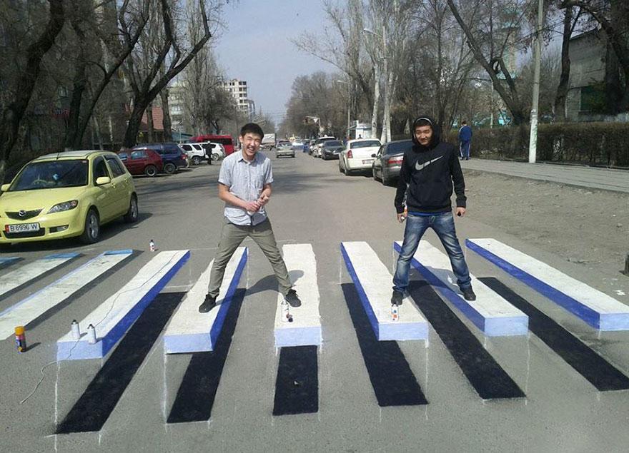 strisce-pedonali-3d-illusione-ottica-india-5