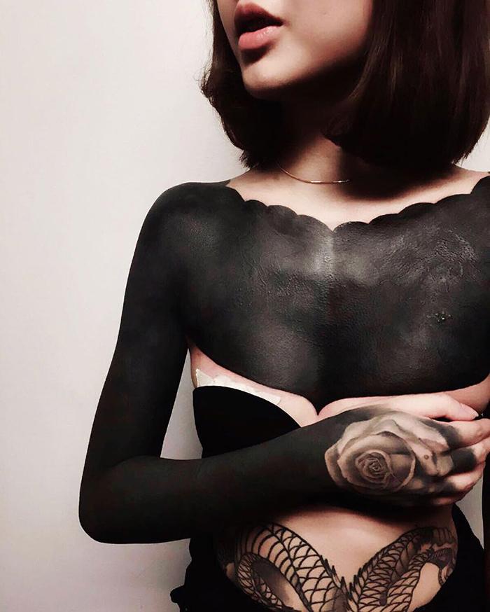 tatuaggi-blackout-coprono-vecchi-tatuaggi-chester-lee-singapore-5