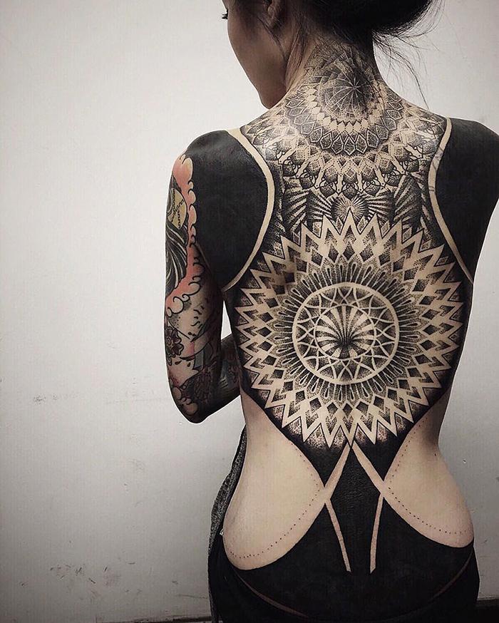 tatuaggi-blackout-coprono-vecchi-tatuaggi-chester-lee-singapore-7