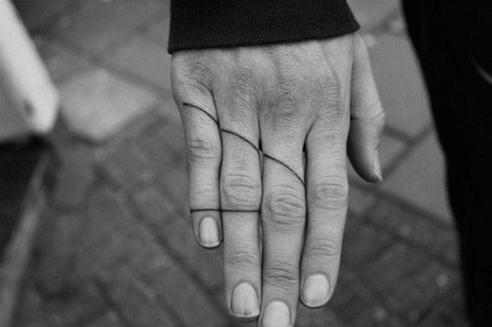 tatuaggi-discreti-piccoli-minimalisti-dita-mani-01