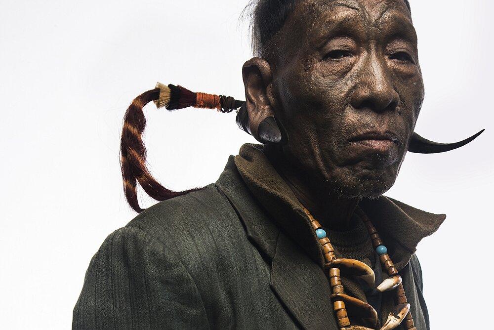 ultimi-cacciatori-teste-tribu-konyak-naga-india-trupal-pandya-10