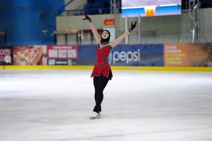 zahra-lari-pattinatrice-ghiaccio-abu-dhabi-olimpiadi-10