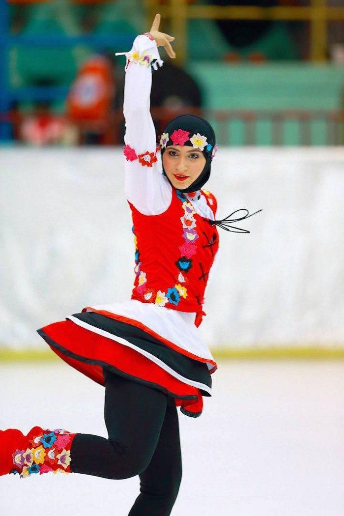 zahra-lari-pattinatrice-ghiaccio-abu-dhabi-olimpiadi-12