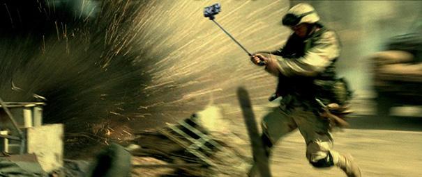 armi-pistole-sotituite-con-selfie-stick-film-famosi-14