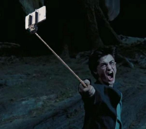 armi-pistole-sotituite-con-selfie-stick-film-famosi-18