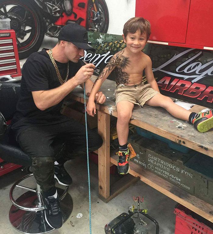 bambini-tatuaggi-aerografati-benjamin-lloyd-nuova-zelanda-1