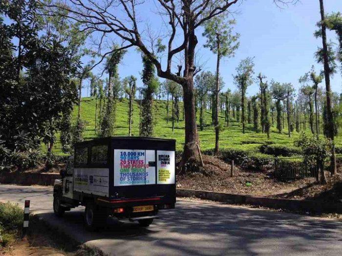 camion-diventa-libreria-mobile-india-letture-gratis-3
