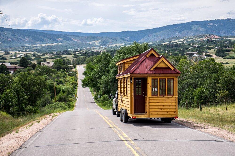 casette-legno-su-ruote-tiny-house-village-02