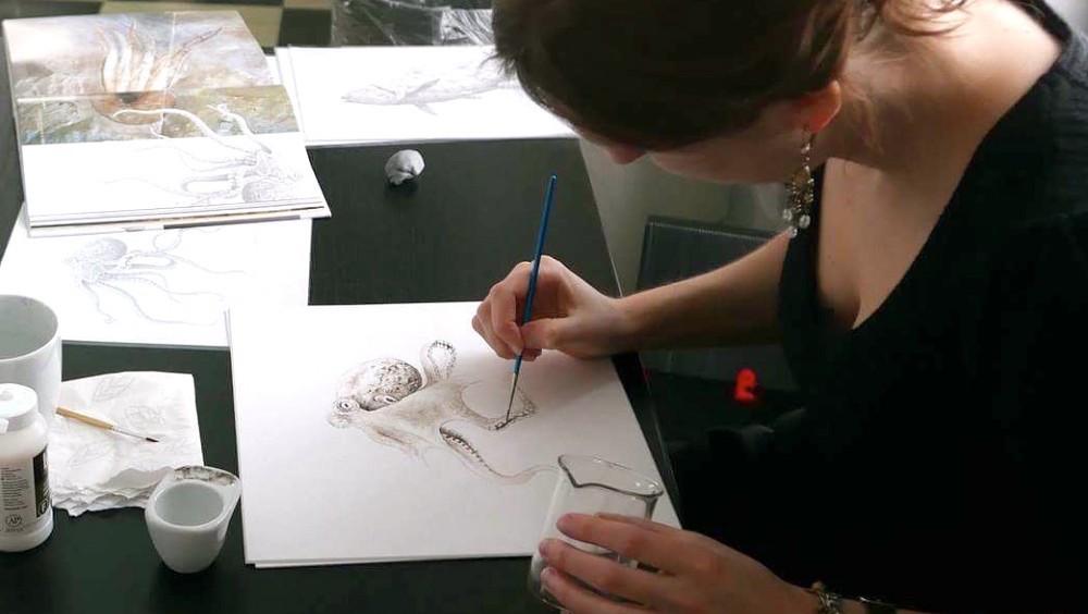 disegno-polipo-preistorico-fossile-inchiostro-sacca-esther-van-hulsen-2