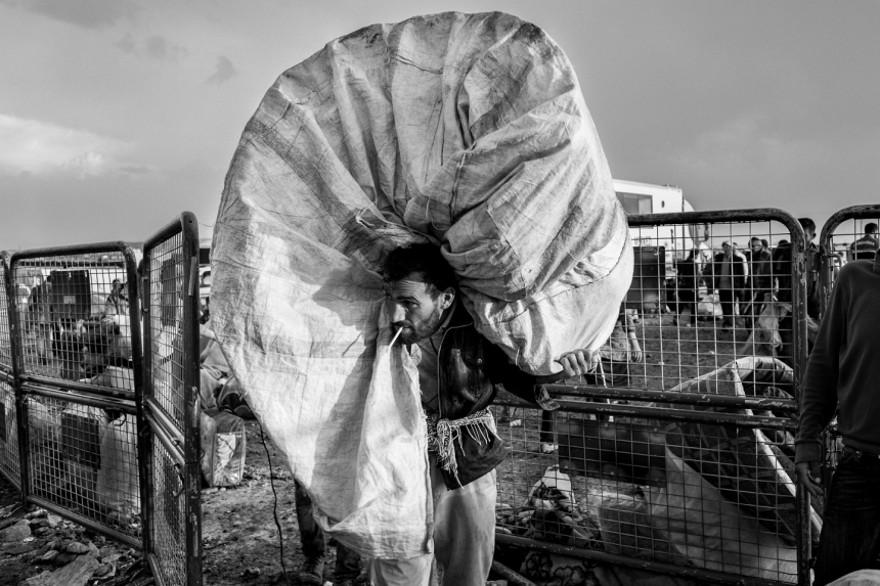 documentario-fotografico-guerra-siria-furkan-temir-louder-than-bombs-04