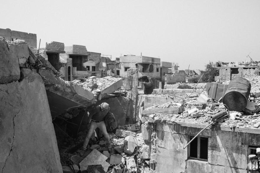 documentario-fotografico-guerra-siria-furkan-temir-louder-than-bombs-07