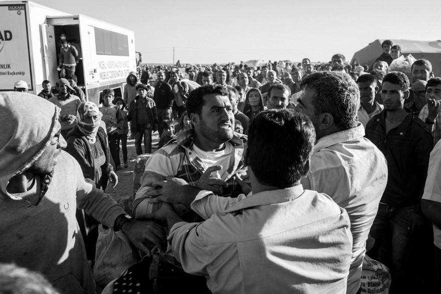 documentario-fotografico-guerra-siria-furkan-temir-louder-than-bombs-15