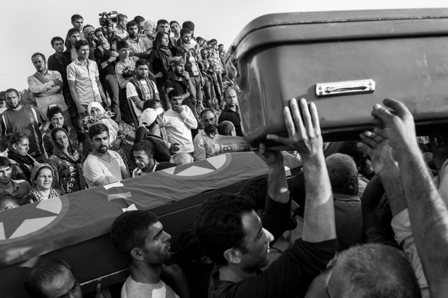 documentario-fotografico-guerra-siria-furkan-temir-louder-than-bombs-16