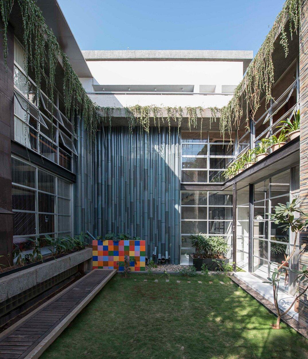 edificio-materiali-riciclati-architettura-sostenibile-mumbai-sps-architects-25