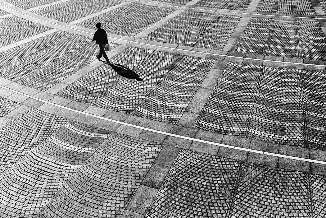 foto-bianco-nero-strade-tokio-hiroharu-matsumoto-07