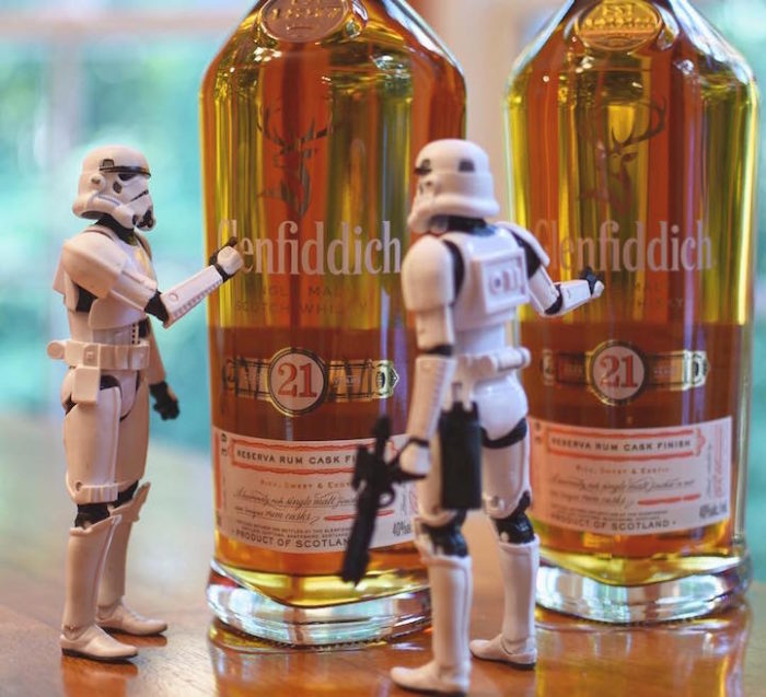 foto-divertenti-star-wars-stormtrooper-wisky-scotch-trooper-01