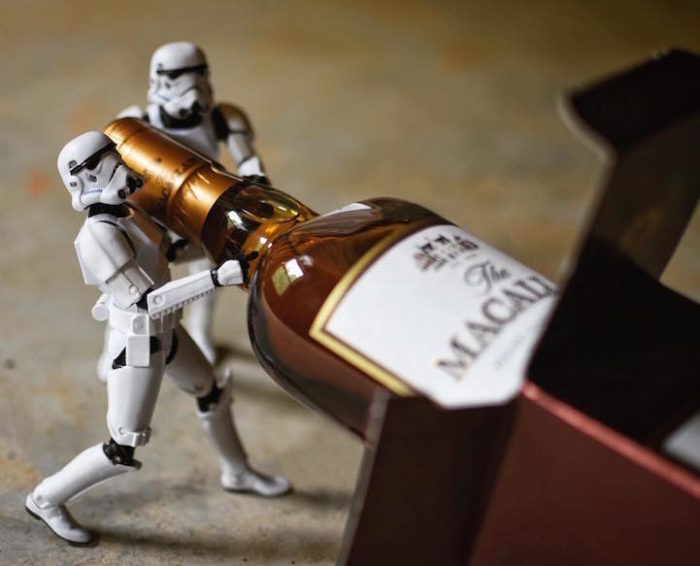 foto-divertenti-star-wars-stormtrooper-wisky-scotch-trooper-07