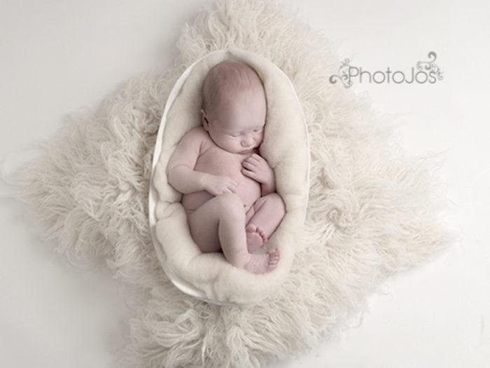 foto-neonati-dentro-calchi-pance-madri-jocelyn-conway-11