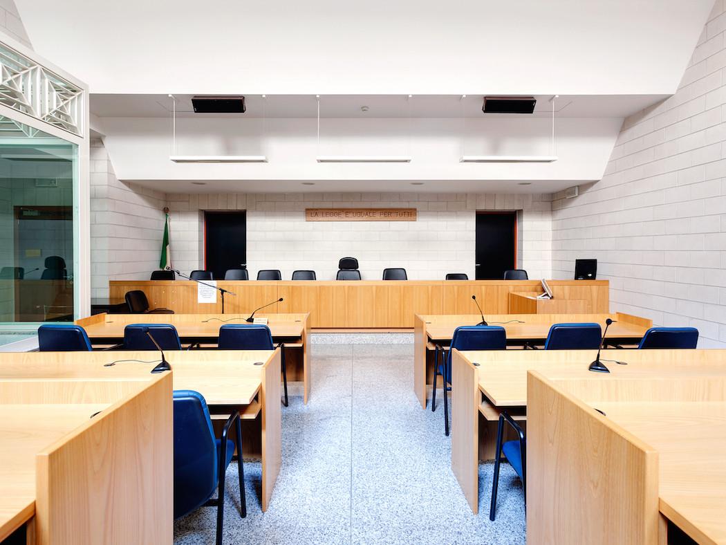 fotografia-aule-giustizia-tribunali-italia-fragments-of-justice-luca-sironi-02