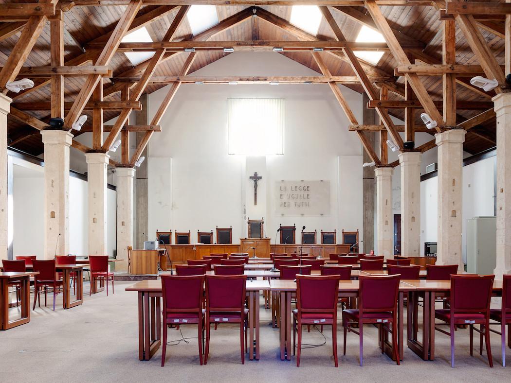 fotografia-aule-giustizia-tribunali-italia-fragments-of-justice-luca-sironi-24