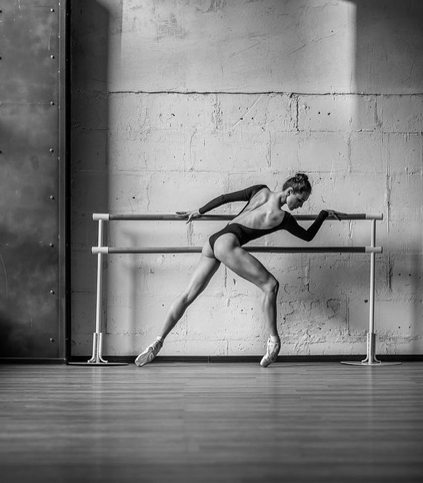 Dinamiche emozioni nei ritratti di danza della ballerina - Foto dive nude ...