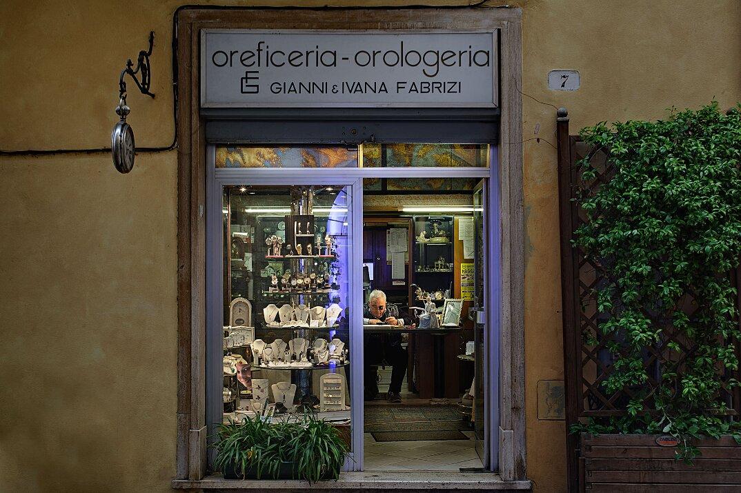 fotografia-botteghe-artigiani-negozi-heroes-francesco-pergolesi-07