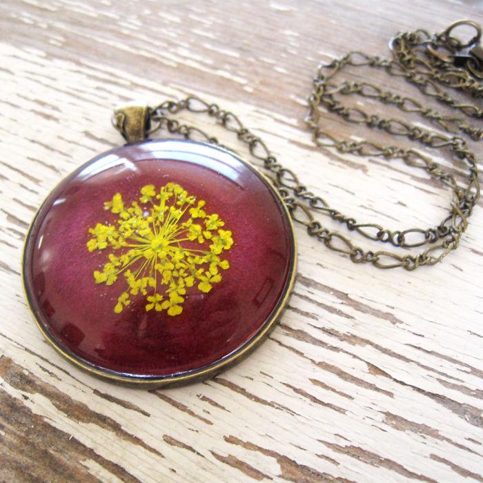 gioielli-botanici-natura-fiori-pressati-piante-adrienne-deloe-05