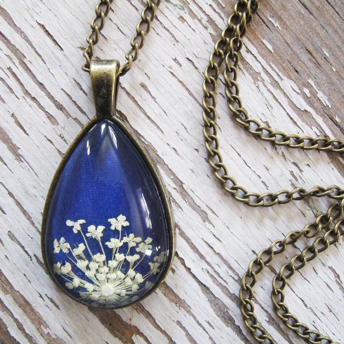 gioielli-botanici-natura-fiori-pressati-piante-adrienne-deloe-20