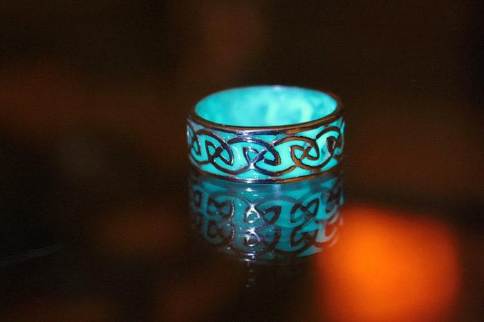 gioielli-fluorescenti-turchese-mistici-papillon9-04