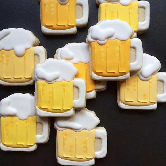 graphic-designer-holly-fox-crea-biscotti-pasta-zucchero-colorati-design-02