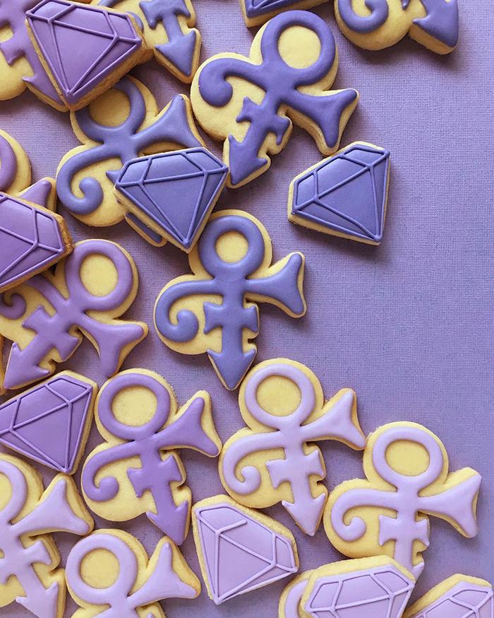 graphic-designer-holly-fox-crea-biscotti-pasta-zucchero-colorati-design-06