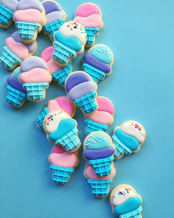 graphic-designer-holly-fox-crea-biscotti-pasta-zucchero-colorati-design-12