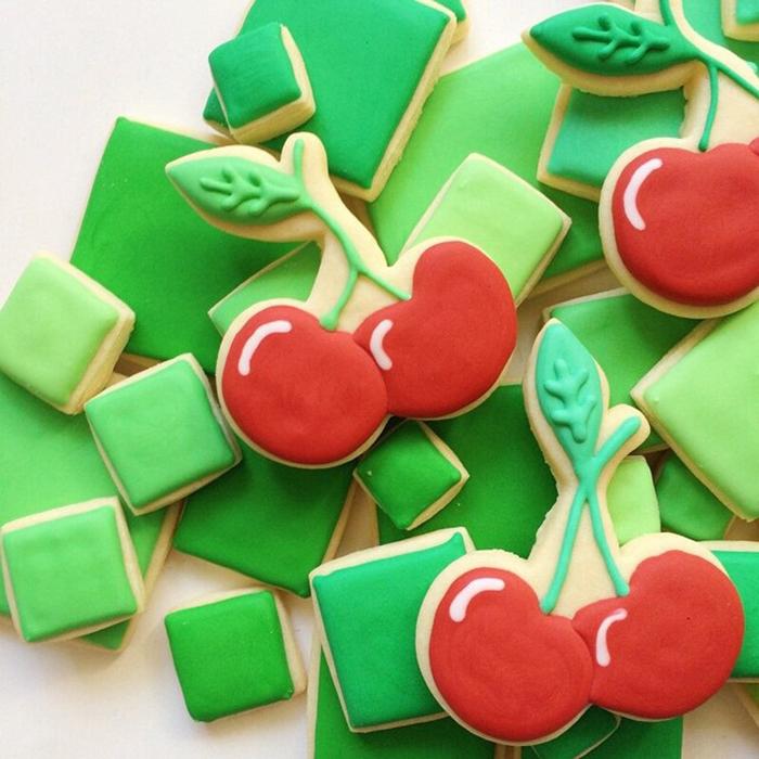 graphic-designer-holly-fox-crea-biscotti-pasta-zucchero-colorati-design-17