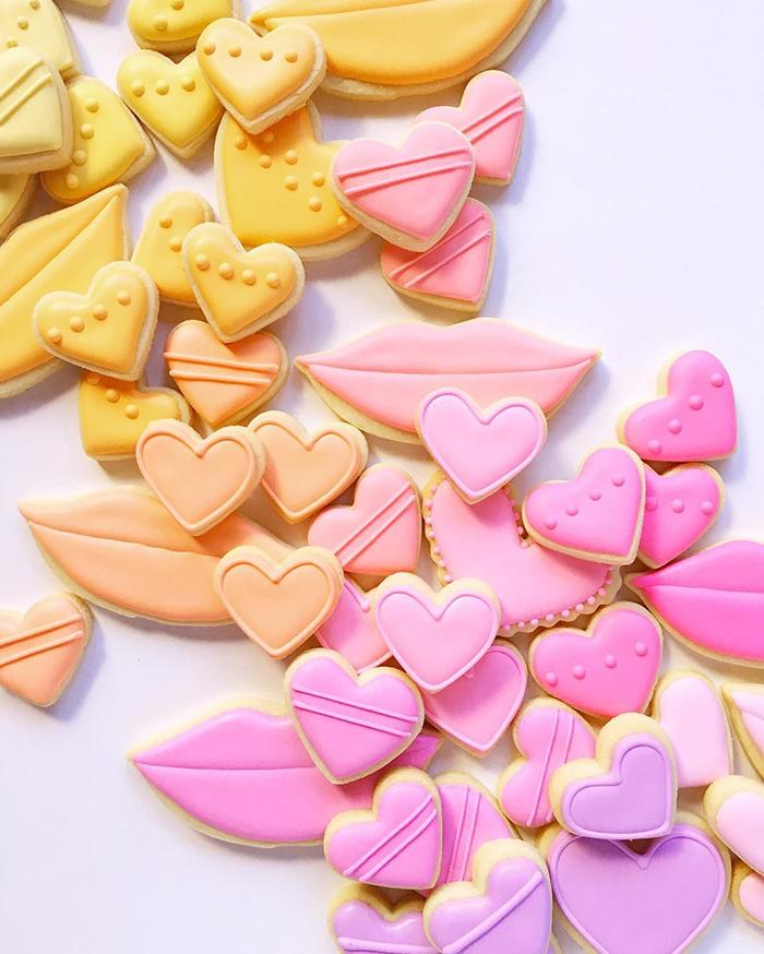 graphic-designer-holly-fox-crea-biscotti-pasta-zucchero-colorati-design-20