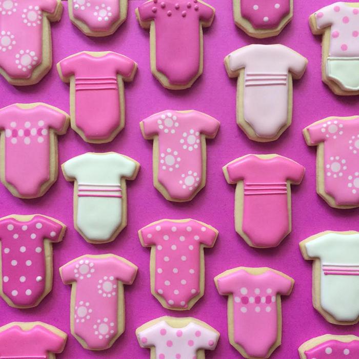graphic-designer-holly-fox-crea-biscotti-pasta-zucchero-colorati-design-22