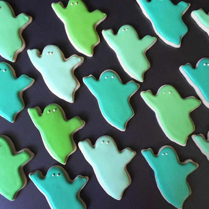 graphic-designer-holly-fox-crea-biscotti-pasta-zucchero-colorati-design-28