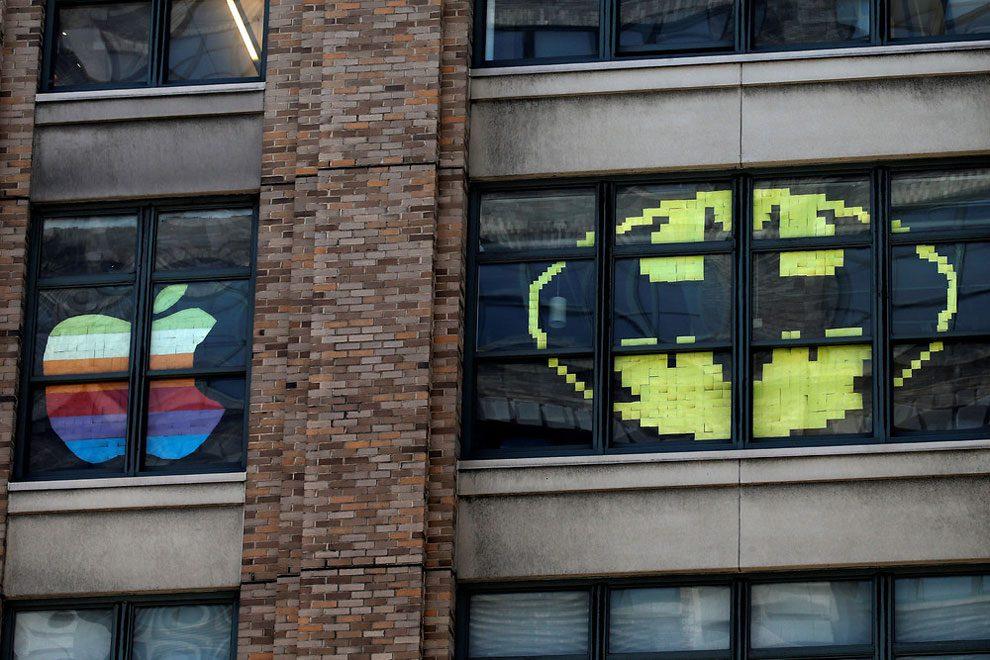guerra-post-it-finestre-uffici-new-york-immagini-1