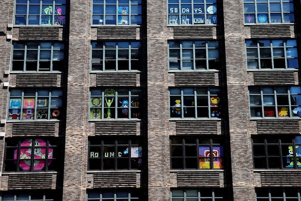 guerra-post-it-finestre-uffici-new-york-immagini-4