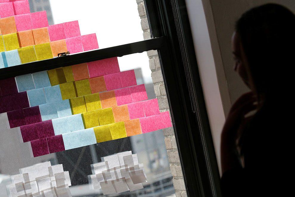 guerra-post-it-finestre-uffici-new-york-immagini-9